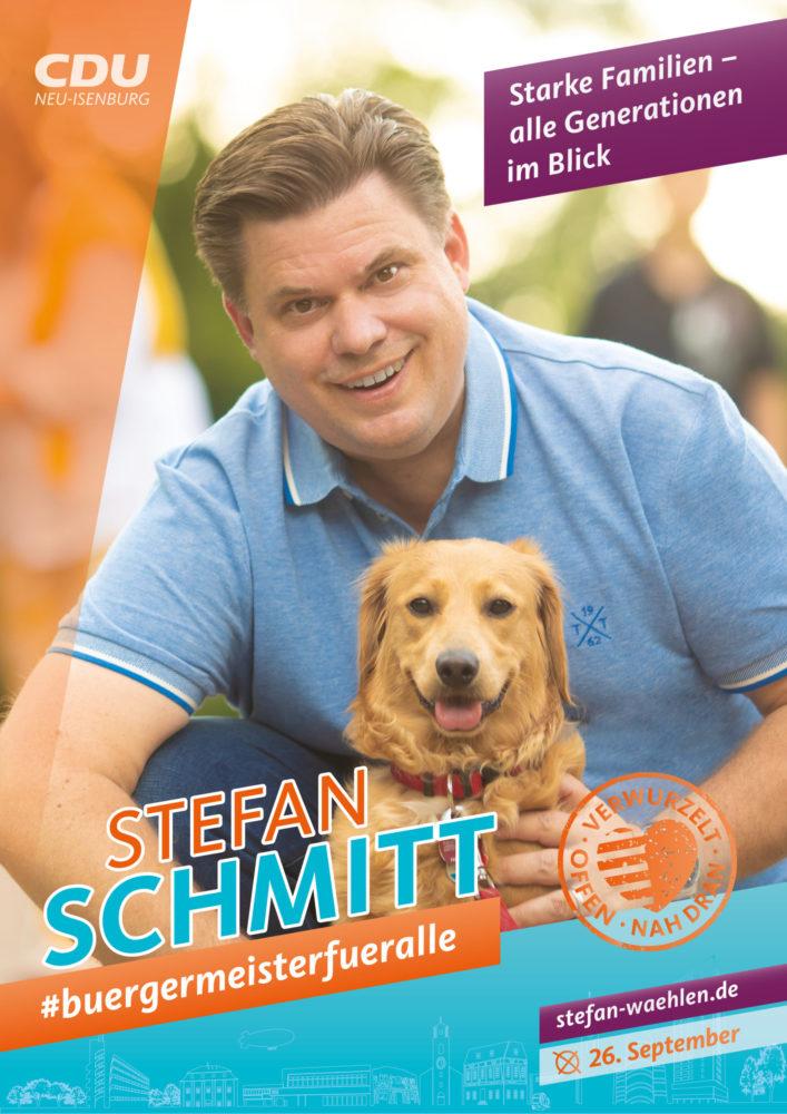 Wahlplakat, Stefan Schmitt mit Hund. Text: Starke Familien, alle Generationen im Blick.